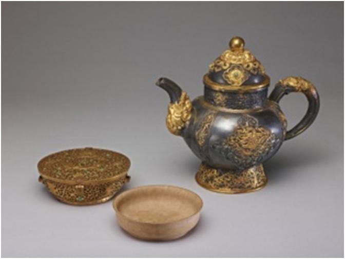 清  銀貼鏤金龍紋把壺  清  西藏 扎卜扎雅木碗 附鍍金卷草紋盒