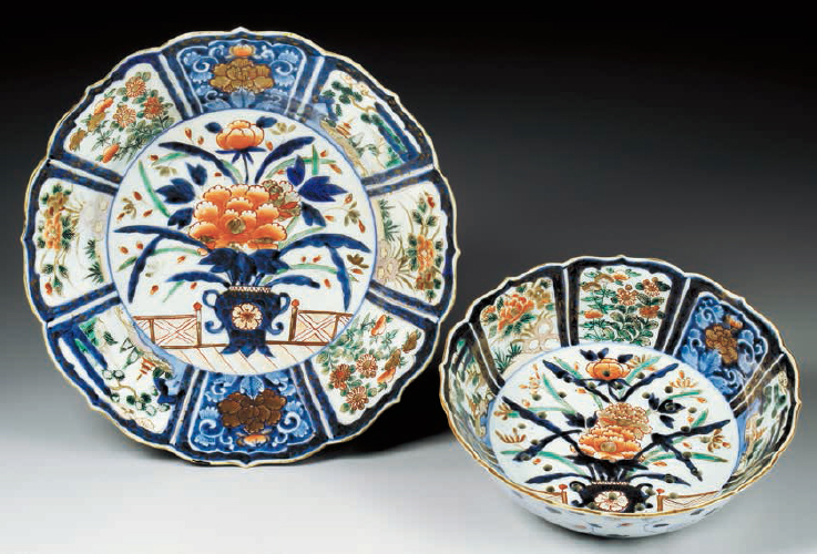 LOBED STRAINING BOWL AND LOBED UNDER PLATE