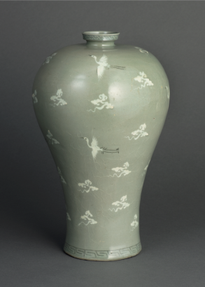 Meiping Vase with Inlaid Clouds and Cranes Design